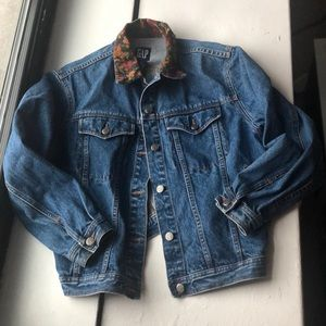 Gap Vtg denim jacket floral collar M